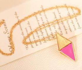 Fashion Retro Style Stereoscopic Triangle Necklace