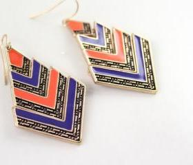 Pair of Vintage Stripes Rhombus Pendant Earrings
